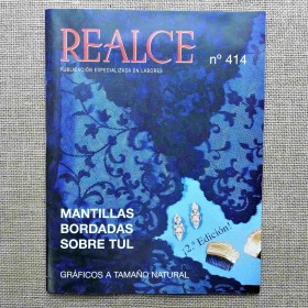 "LIBRO ""MANTILLAS BORDADAS..."
